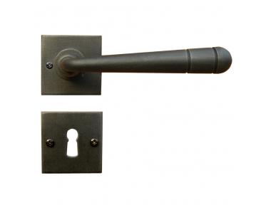 2110 / SQA Modell Linz Galbraith Griff Tür mit Rosetta und Düse Schmiedeeisen Kunst