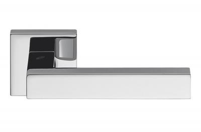 Ellesse Türgriff aus poliertem Chrom auf Rosette Studio Bartoli für Colombo Design