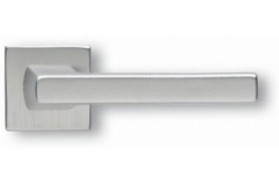 Paar Griffe Ghidini Archimedes Modell Silber F1-SAT Rosette und Lüftungsöffnungen