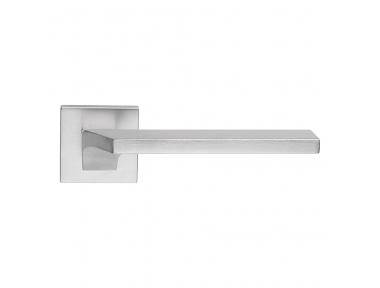 Giro Zincral Satin Chrome Türgriff auf Rosette aus Kunststoff Form Dynamic Line Calì Design