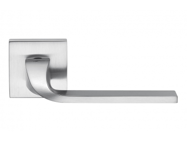 Isy Satin Chrome Türgriff mit Rosette Designed by Architettura by Colombo Design