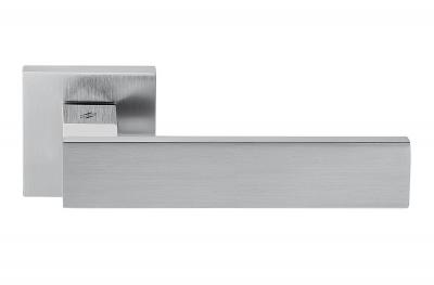 Alba Polierter Chrom- und Satingriff für Tür auf Rosetten-Design Made in Italy Colombo Design